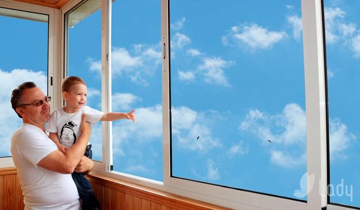 Остекление лоджии или балкона, пластиковые окна с климат-кон.